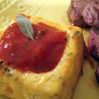 Fondants carrés de légumes sauce tomate et basilic